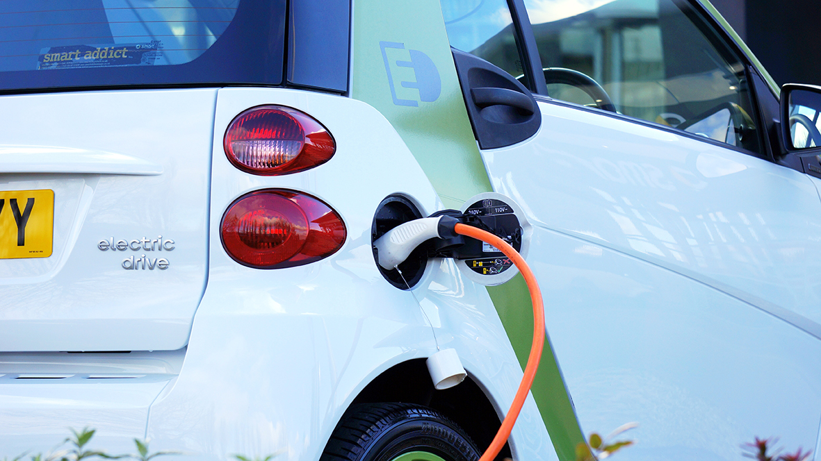 electric-car-1458836liten
